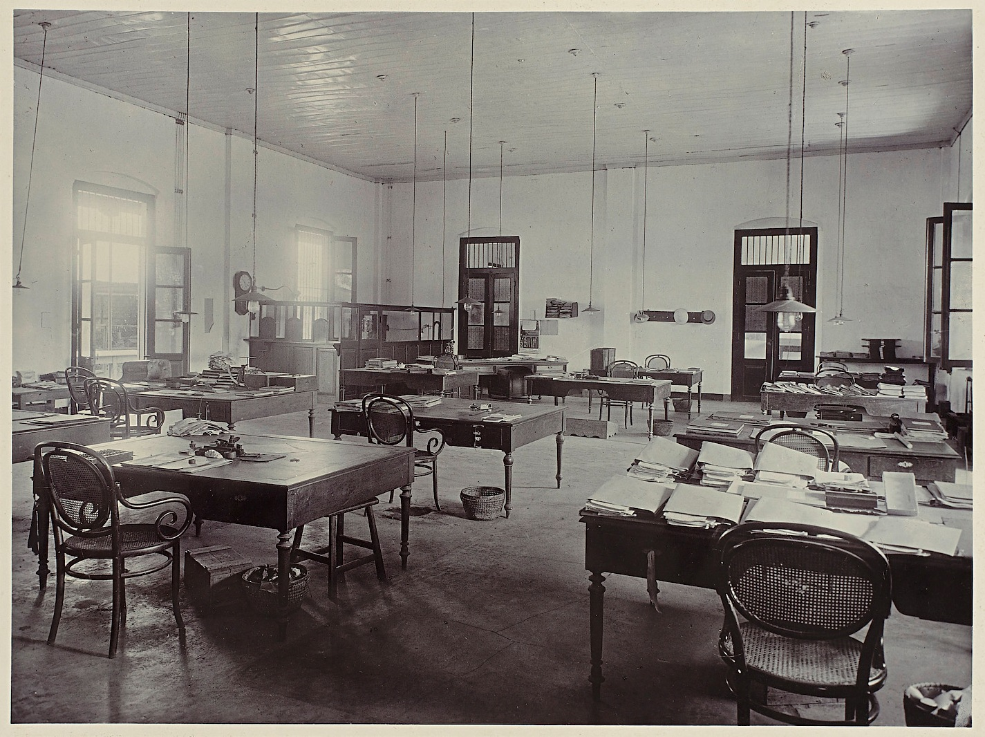 De vier pennenhulpmiddelen bij het voeren van een boekhouding de 4 pennen - Kantoor modulaire interieur ...