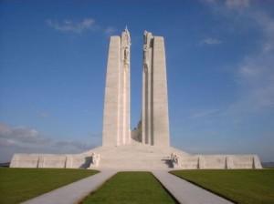 Het monument op Vimy Ridge, één van de vele monumenten in Noord Frankrijk en Zuid West België die herinneren aan de bloedige veldslagen uit de Eerste Wereldoorlog.